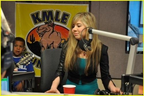 Jennette McCurdy is KMLE Cute