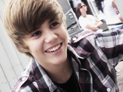 justin bieber u smile wallpaper. Justin bieber U SMILE