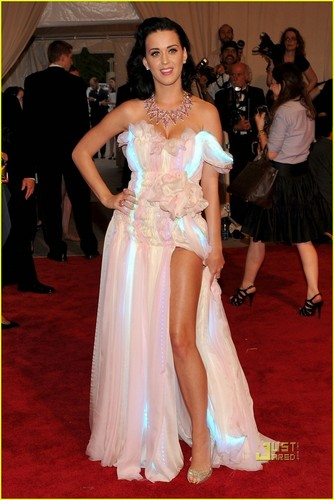Katy Perry: MET Ball 2010