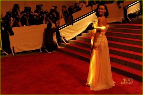 Katy Perry: MET Ball 2010
