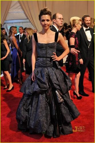 Maggie Gyllenhaal: MET Ball 2010