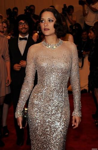 Marion Cotillard: MET Ball 2010