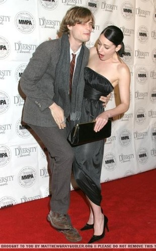 Matthew Gray Gubler wallpaper entitled Matthew Gray Gubler and Paget Brewster