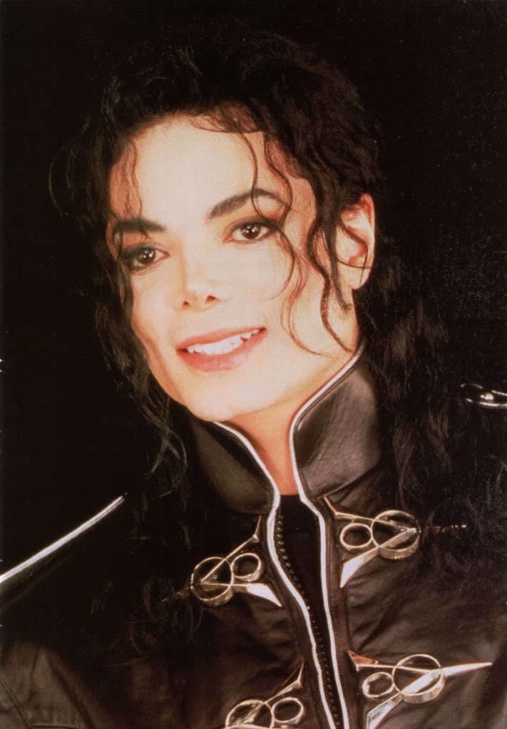 Michael is so sweet inoccent cute adorable sexy everything :D We pag-ibig You