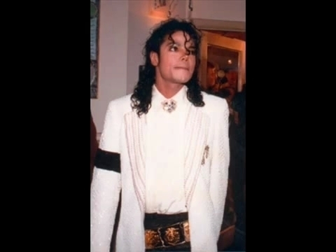 Michael is so sweet inoccent cute adorable sexy everything :D We 爱情 你