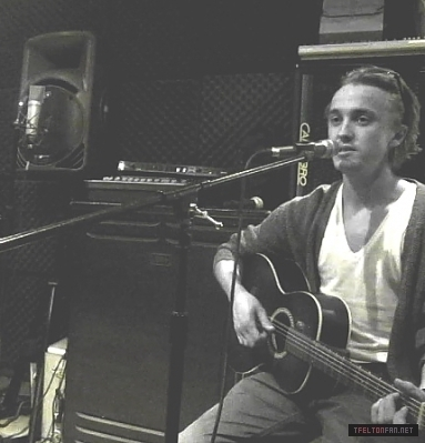 Miscellaneous > Tom's Twitter Pics - tom-felton Photo