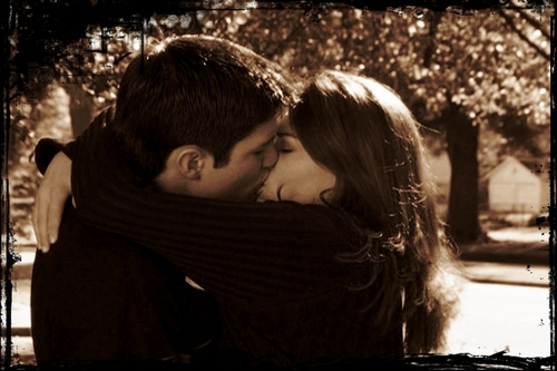 Naley's first Kiss <3