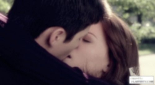 Naley's first ciuman <3