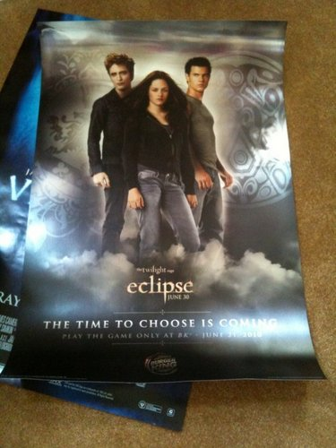 New Eclipse Poster was dado to twilight fans that attended the Oprah mostrar