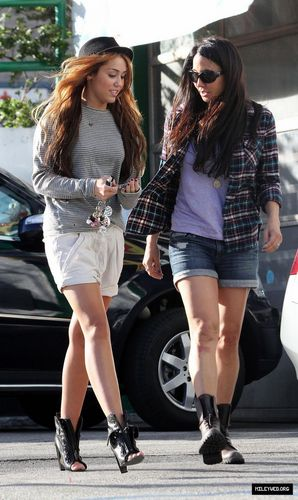 Out and about with a friend in Los Angeles - May 1 [HQ]