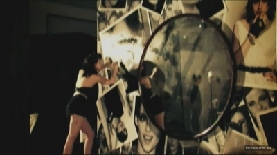Photoshoots: Behind the Scenes > June 2010: Elle