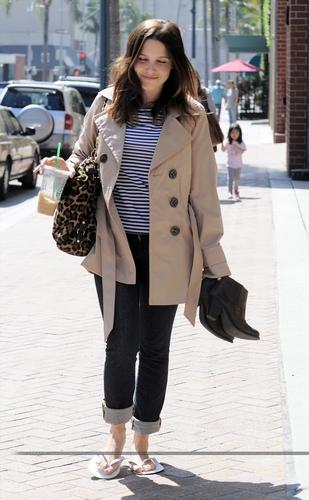 Sophia Bush: Salon & Starbucks!