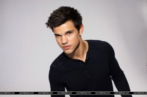 Taylor Lautner Outtakes For Saturday Night Live Photo Shoot!