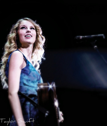 Taylor veloce, swift & her chitarra