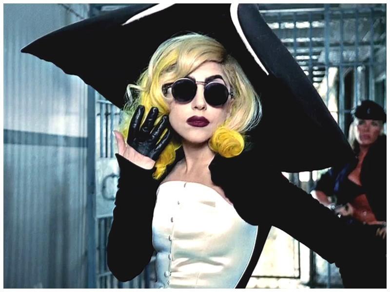 lady gaga telephone wallpaper. Telephone - Lady GaGa 800x600