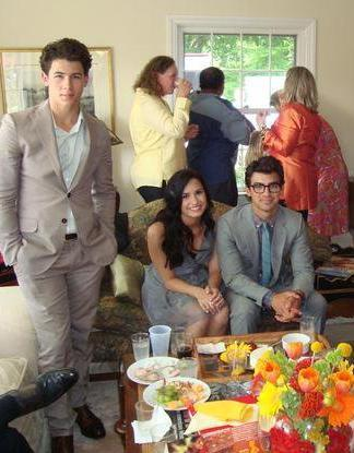 demi and joe..! y nick