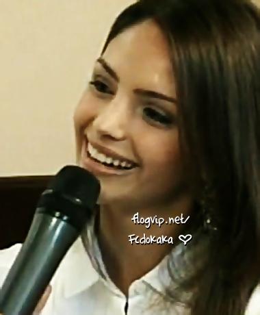 Caroline Celico wallpaper titled entrevista com carol celico