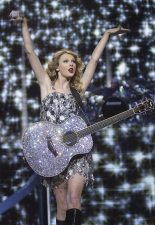 FEARLESS 2010 Tour -Moline IL