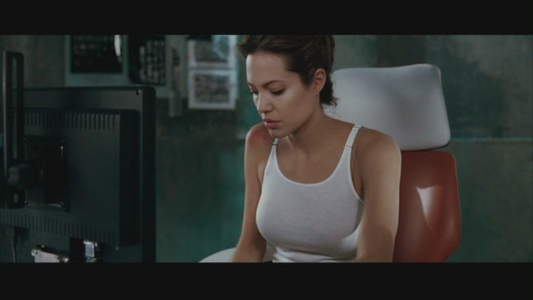 angelina jolie wanted naked scene