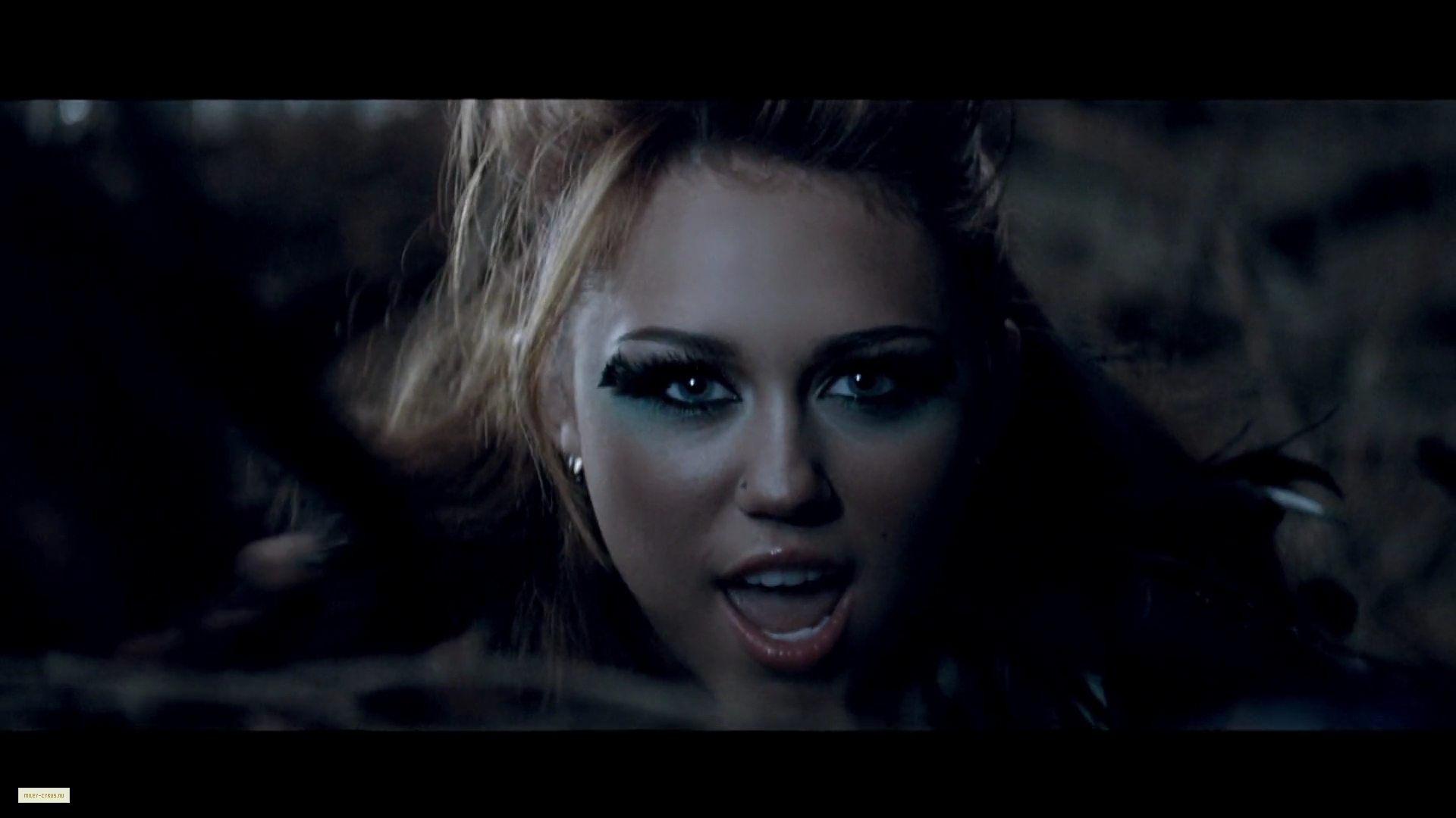 video miley tamed