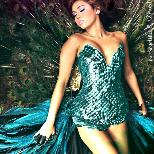 Miley Cyrus wallpaper titled Can't be tamed