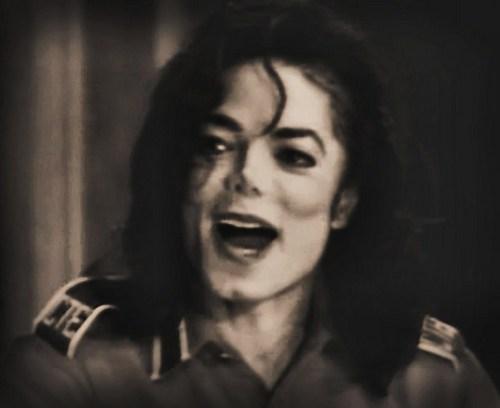 Close the mouth MJ ahaha