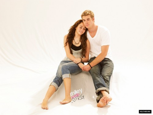 Exclusive The Last Song Photoshoot Pictures