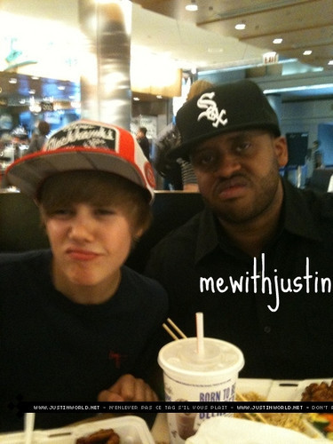 funny justin bieber pics with captions. ieber funny. Funny Bieber