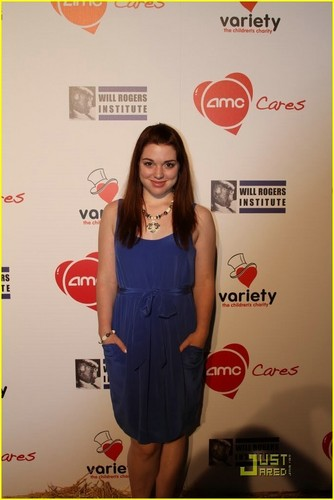 Jennifer Stone & Logan Miller: AMC Movie Night!