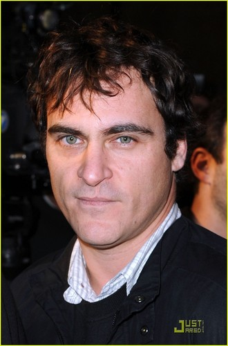 Joaquin at the Exit Through the Gift toko premiere (April 12)