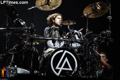 LP ROCKS!!!!
