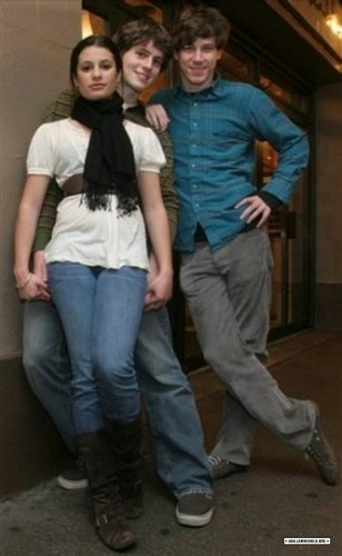 Rachel and Jesse karatasi la kupamba ukuta entitled Lea Michele and Jonathan Groff