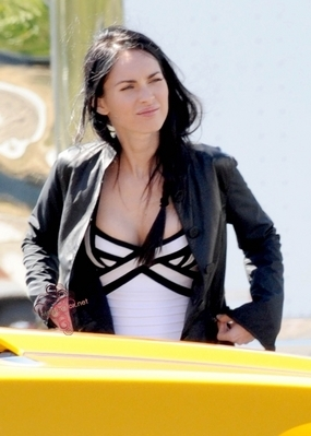 "Megan on set ""Transformers 3"""