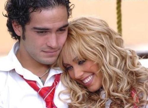http://images2.fanpop.com/image/photos/12000000/Mia-y-Miguel-3-traumadas-x-los-a-y-los-m-12018438-500-366.jpg