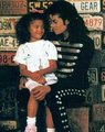 Michael & children - michael-jackson photo