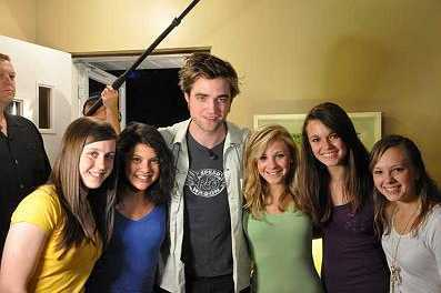 NEW Pic Of Rob With Naperville family