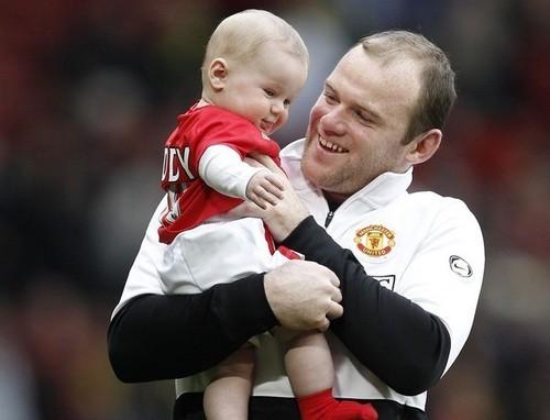 Wayne and his son(9.05)