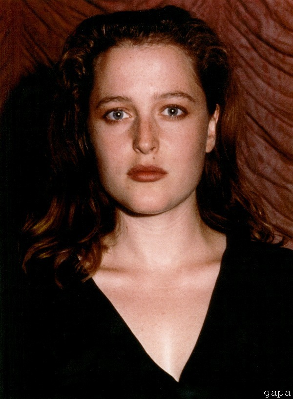 Gillian Anderson images Young Gillian Anderson HD ...