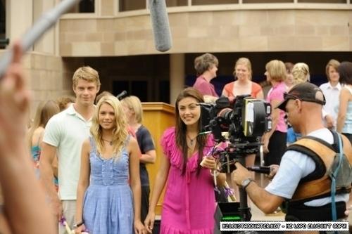girls filming