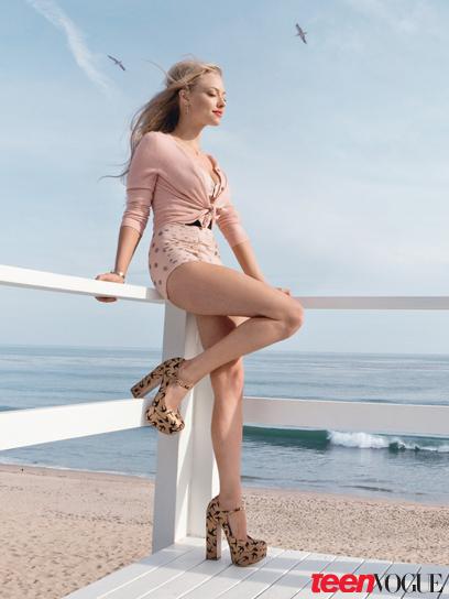 Amanda Seyfried in Teen Vogue June/July 2010