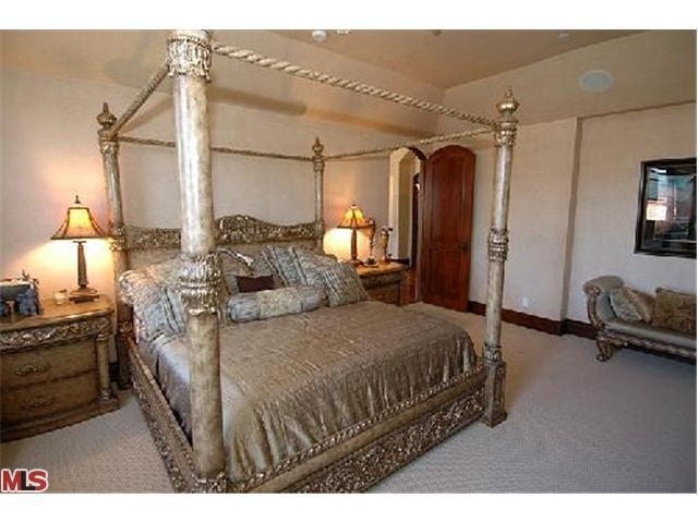 Quarto da Juliet & do Robert   Avril-s-House-3-avril-lavigne-12176542-640-480