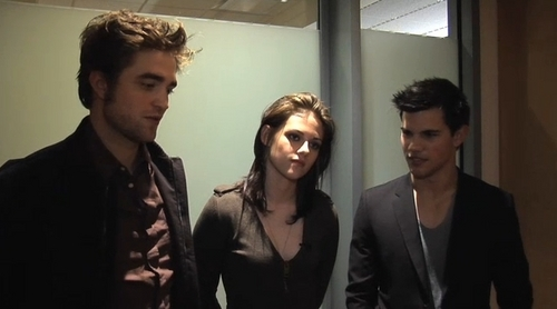 Backstage At The Oprah toon WIth Robert Pattinson, Kristen Stewart & Taylor Lautner