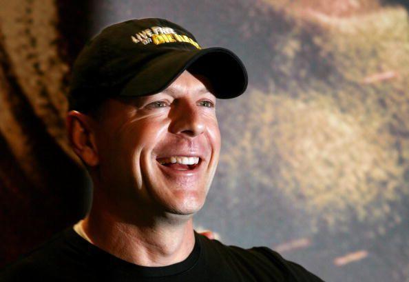 Bruce Willis - Actors Photo (12175065) - Fanpop Bruce Willis Cast
