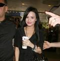 Demi Lovato Likes Starbucks