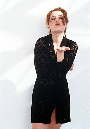 Gillian Anderson achtergrond titled FHM Shoot 1996