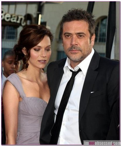 Hilarie burton And JefferyDeanMorgan