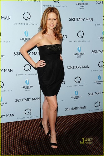 Jenna Fischer: 'Solitary Man' Marvelous - jenna-fischer Photo
