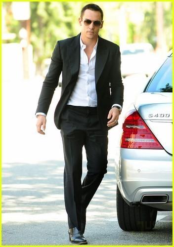 Jonathan Rhys Meyers: Hybrid Hottie