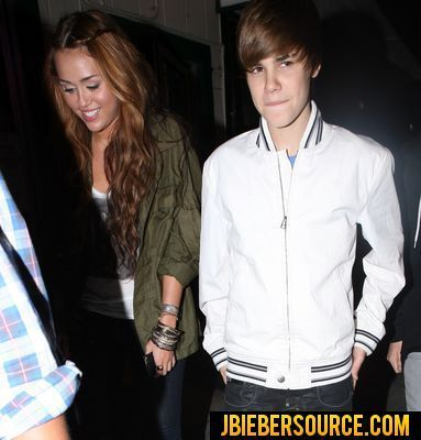 Justin and Miley dinning n Ari-ya at Beverly Hills centre