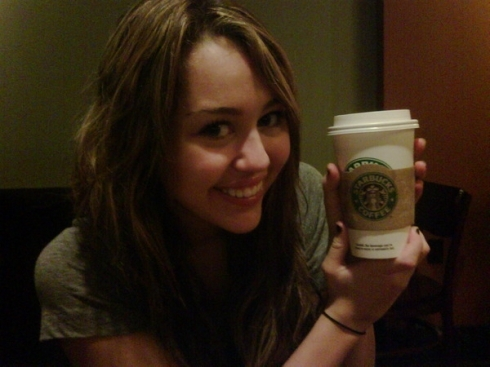 Miley Cyrus Enjoys starbucks